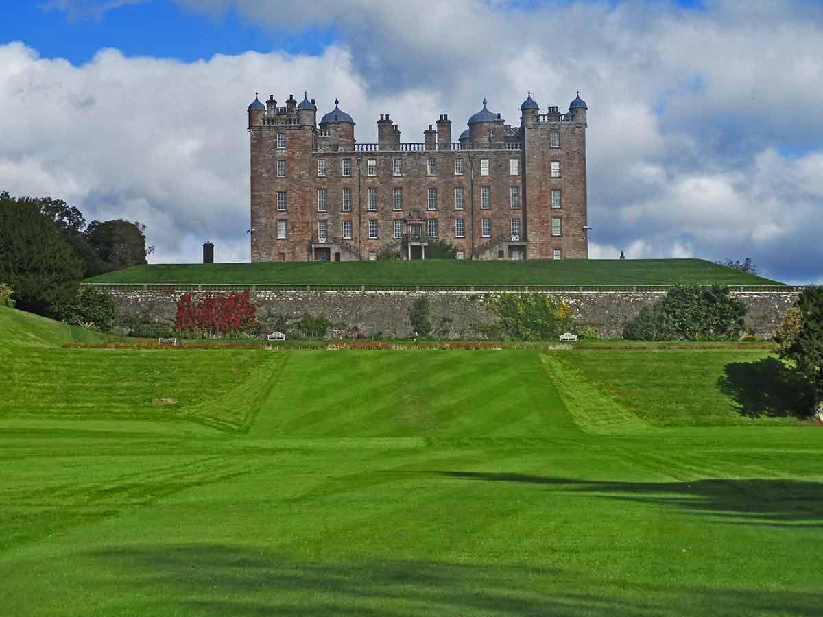 Drumlandrig Castle