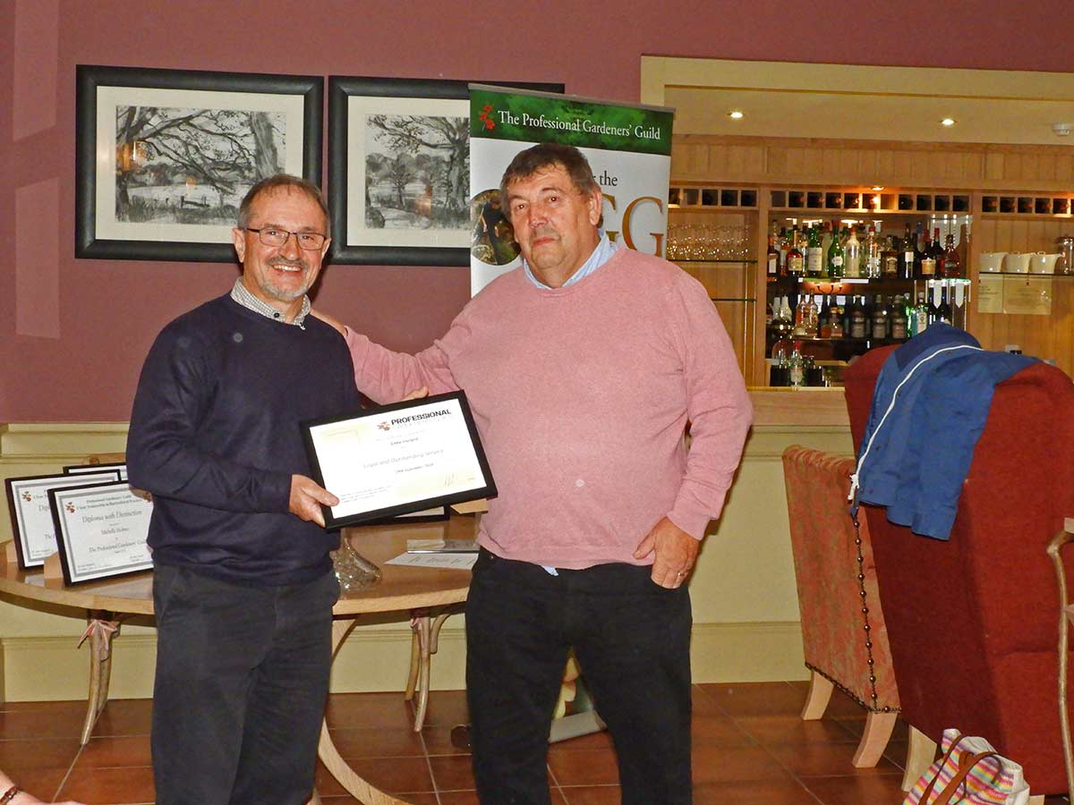 Eddie Harland receives PGG award