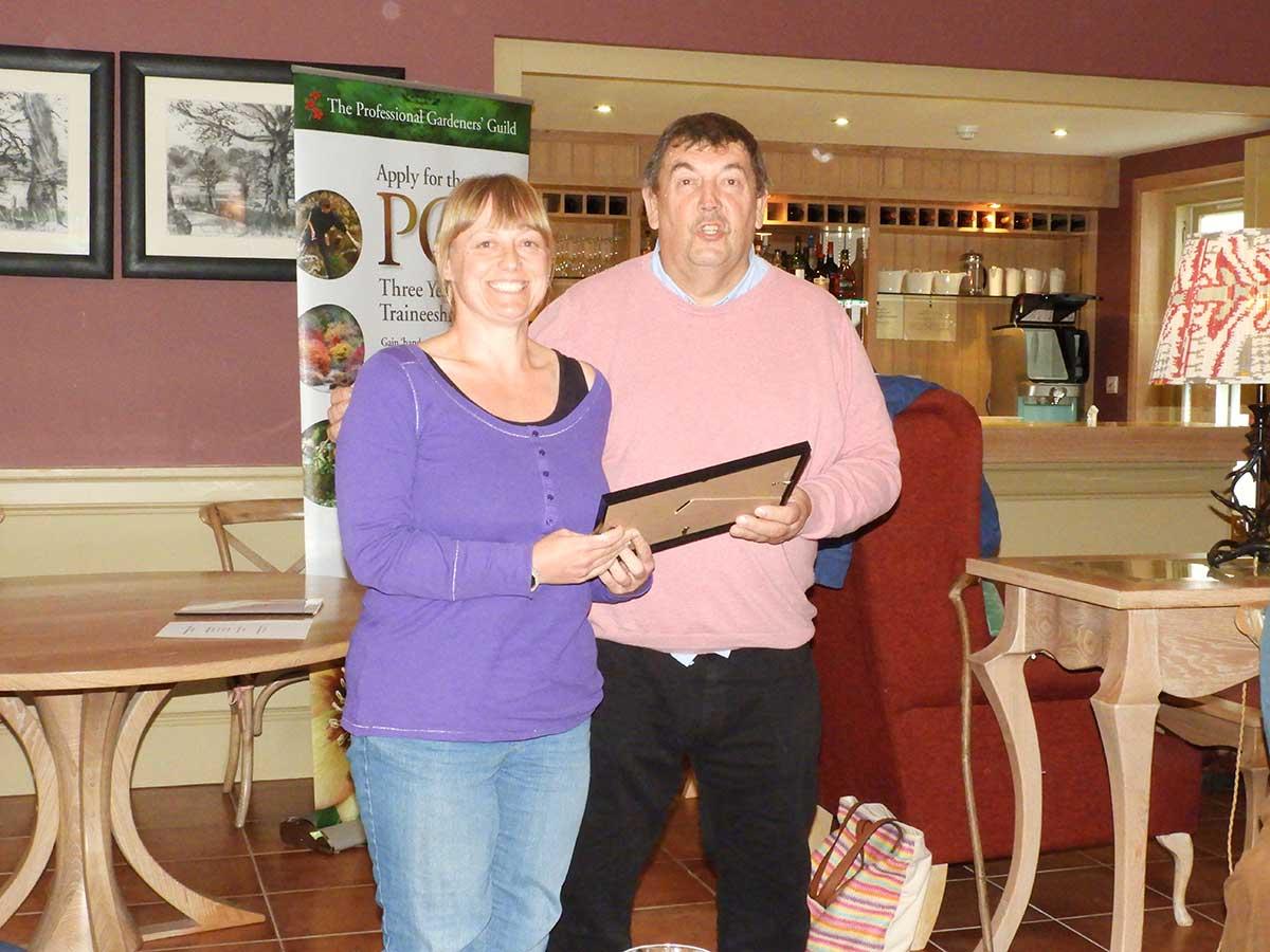Nicola Johnson receives PGG award